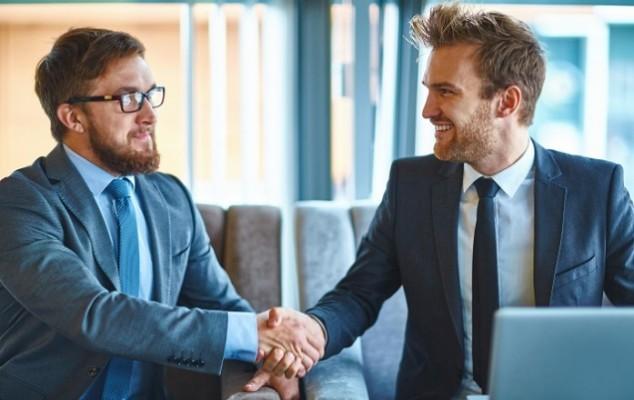 Как сделать любые переговоры эффективными: принцип пирамиды Минто